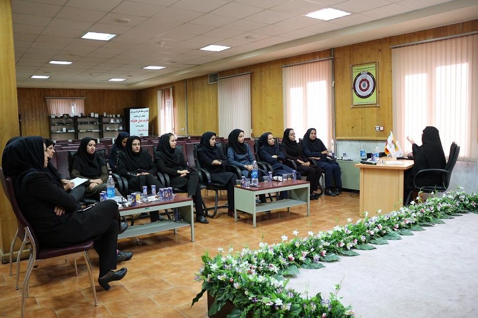 برگزاری جلسه حلقه صالحین در نیروگاه زرند